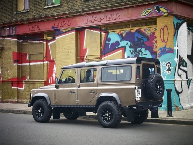 Land Rover Defender 110 Rough Limited Edition (2013)