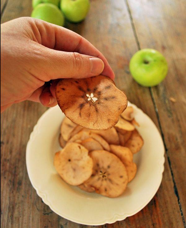 Estas manzanas deshidratadas son la botana ideal perfectaspara comer algo sabroso y nutritivo. Manzana cortadas en finas laminas que resultan en un bocado crujiente.