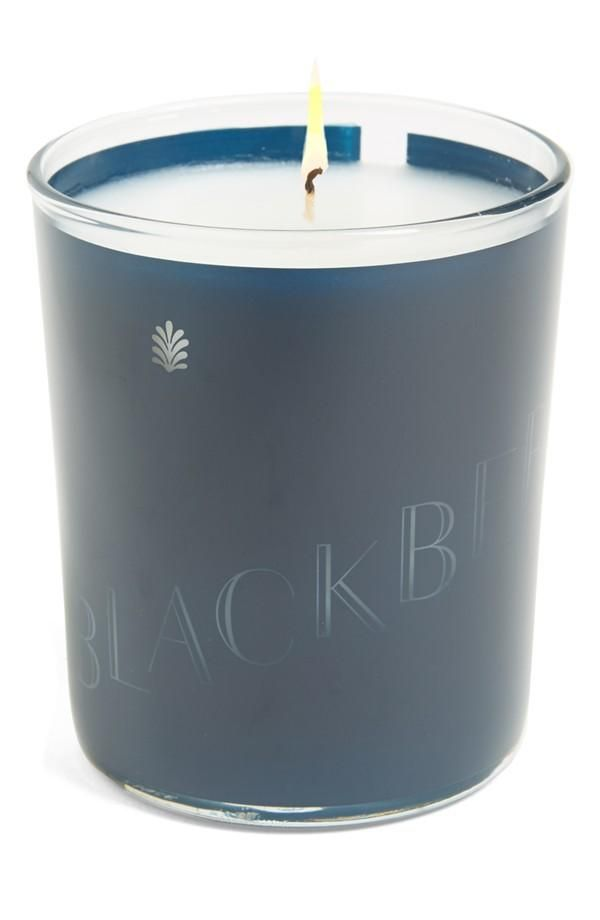 A sweet scented candle | Blackberry and green woodlands