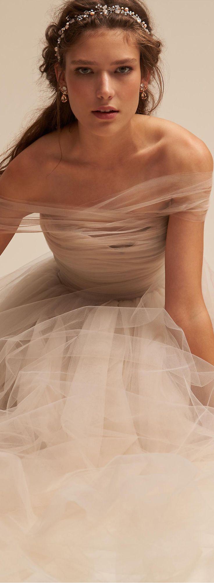 Gorgeous wedding gown | Wedding Ideas