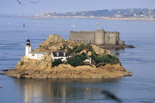 Le phare de l'île Louët - Morlaix                                                                                                                                                     Plus