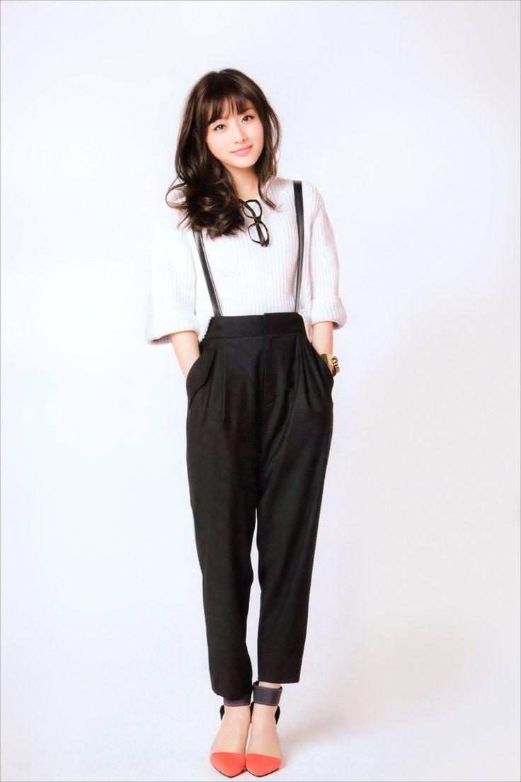 石原さとみ Ishihara Satomi ! Damn ! i love her outfit she's so stylish ♡