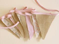 Cómo hacer una guirnalda de banderines de tela