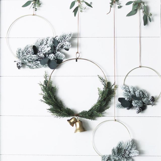 We finally got around to painting our little shiplap nook & of course I had to craft some sweet little gold hoop wreaths to make the space feel festive! . . . If you love the simplicity of hoop wreaths go check out my sweet friend @cynthia_harper_'s holiday mantle! . . . . . . . #decorthatmakesmesmile #holidaydecor #goldhoops #seasonsfordecor #shiplap #hearthandhand #magnolia #diy #fixerupperstyle #sesonaldecor #mybhghome #mybhgflowers #floralfarmhousedecor #woodsandwhites…