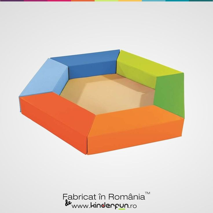 Mobilier Multifunctional.  Peretii pot fi asezati astfel incat pot sa formeze un tarc, mese de studiu sau se poate folosi ca mobilier pentru copii. Kinderfun™ Soft Play   Fabricat în România » www.kinderfun.ro