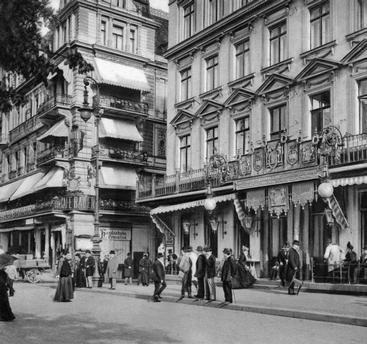 Cafe Kranzler and Cafe Bauer, Unter den Linden, corner Friedrichstrasse, exterior view, 1900,