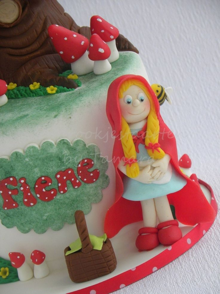 Fairytale-Tree (Sprookjesboom In Dutch) Based on tv show in Holland, I made this birthday cake for a very cute little girl. She insisted to...