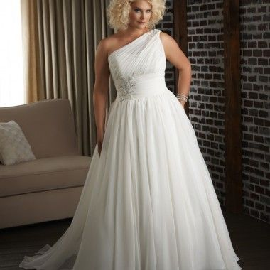 Exceptional wedding dresses and plus size wedding dresses available for purchase at the Designer Bridal Room