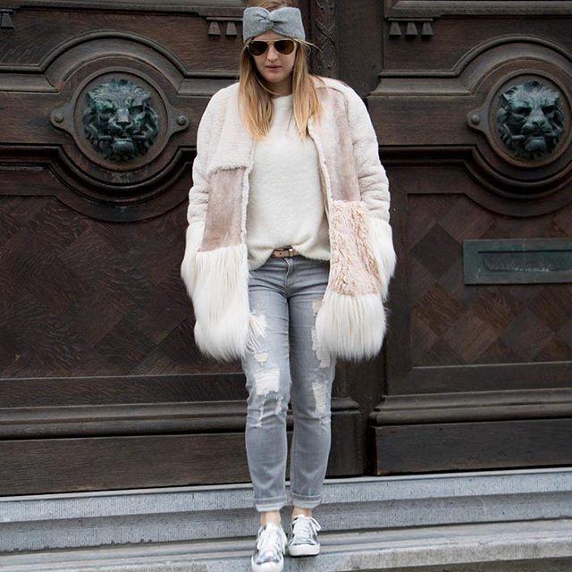 JULIA JUNE // Friday Fluffs!  #friday #coat #garance #shop #look #style #juliajune #ghent #streetchic #winteriscoming #cozy #streetwear #ghent #cityzine #visitgent #ikkoopbelgisch #belgian #fashion #ootd