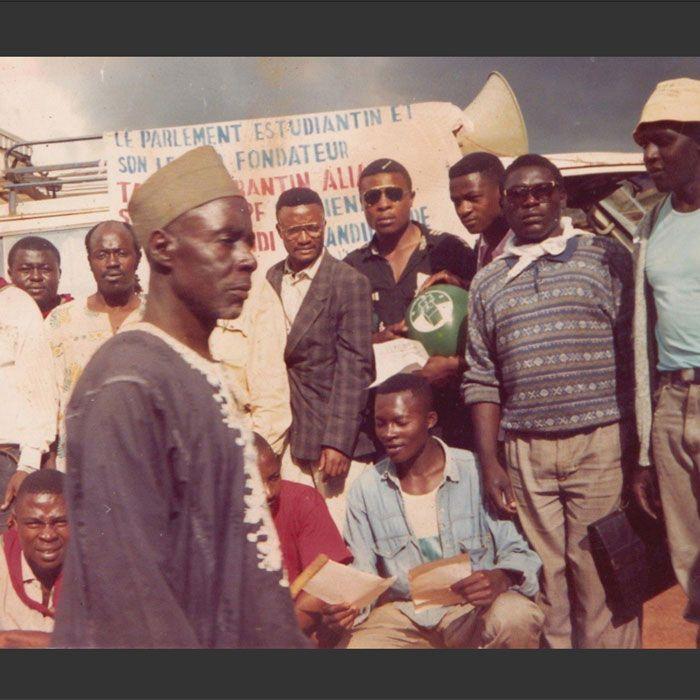 Histoire de notre pays à Lire: Comment PhIlippe Menye Meve Jeta Corantin Talla alias General Schwarzkopft en prison en 1992 sans jugement a Bafoussam pour atteinte à la sureté d&r
