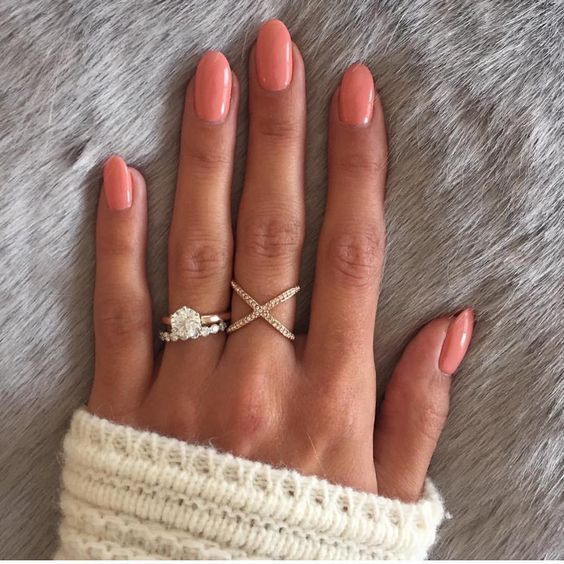 60+ Nude Color Nails Designs für einen edlen Look 41 – Accessoires