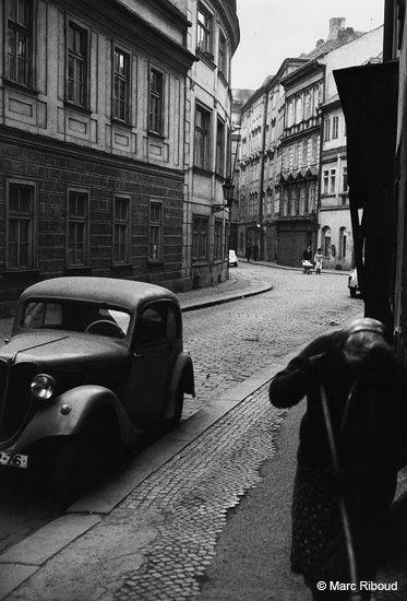 Marc Riboud. Prague 1972