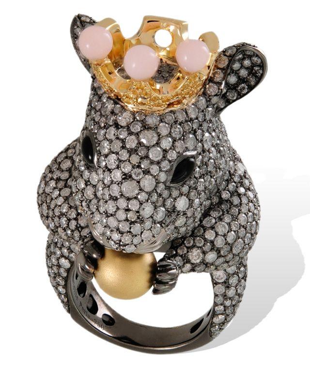 La nouvelle année chinoise débute le 8 Février, nous serons dans l'année du singe Une occasion d'illustrer l'horoscope chinois dans son intégralité en bijoux.