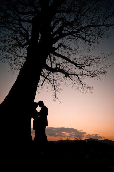 """""""Uma das melhores coisas do mundo é quando você abraça alguém que você ama, e essa pessoa te aperta forte."""""""