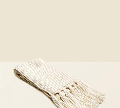 écharpe texturée à franges écrue