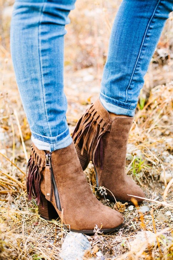 These trendy fringe booties are a must have for your fall wardrobe! COLORS BlackBeigeBrownGreySIZES (Runs true to size.) 5.5 - 11Material: Made out of a suede material. Heel measures 3 inches in height.