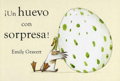Menos la señora Pato, el resto de los pájaros han puesto un huevo. Pero ésta, por sorpresa, encuentra por el camino un huevo solitario grande y raro que decide adoptar. Aunque sus compañeras se burlan, a ella le parece el huevo más bonito del mundo. Con un juego de troqueles en páginas escalonadas de diferentes tamaños, el lector descubrirá... #LIJ