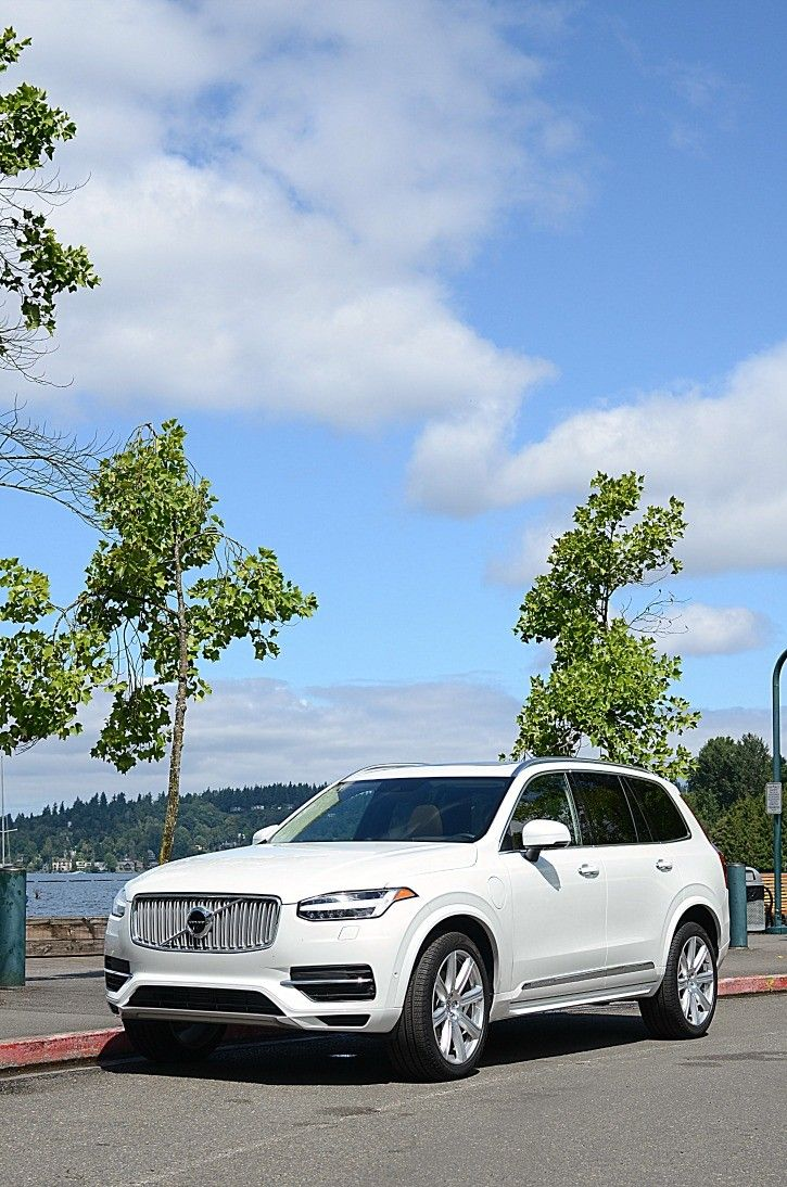 2016 Volvo XC90 T8 Inscription Plug-In Hybrid - A review from the point of view of a female lifestyle blogger