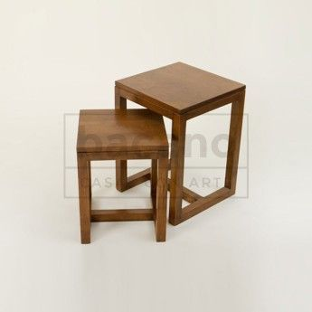 Mesa de apoyo BUÑA. Mesa de Apoyo en 2 medidas. Materiales: Lenga lustrada Medidas en cms: 35×35 y 40×40