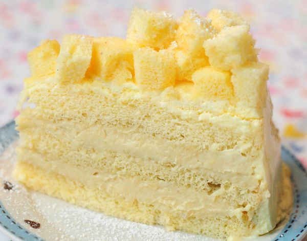 Triple Layer Durian Cake ~ *omit whiskey from the durian cream. Sponge is Sky High recipe, adapted. mmm <3 <3
