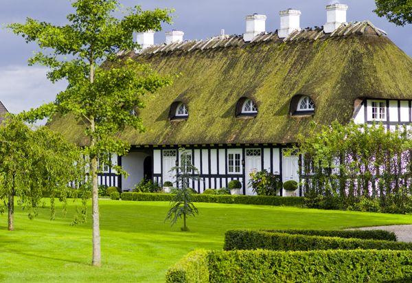 Anmeldelse af ophold på Falsled Kro anno 2011 -- august måned. #falsled #falsledkro #gourmet #gourmetophold #fyn #bergholtDenmark Danmark, Falsl Falsledkro, Falsledkro Gourmet, Fyn Islands Denmark, Beautiful Places, Gourmet Gourmetophold, Gourmetophold Fyn, Danmark Denmark, Anno 2011