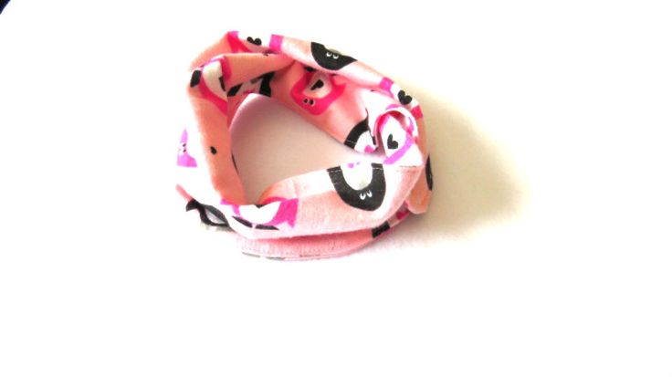 Pink Baby Infinity Scarf - Pink Toddler Infinity Scarf - Pink Scarves - Scarves for girls - Penguin Scarf by PinkButterflyDesignz on Etsy https://www.etsy.com/ca/listing/505905635/pink-baby-infinity-scarf-pink-toddler