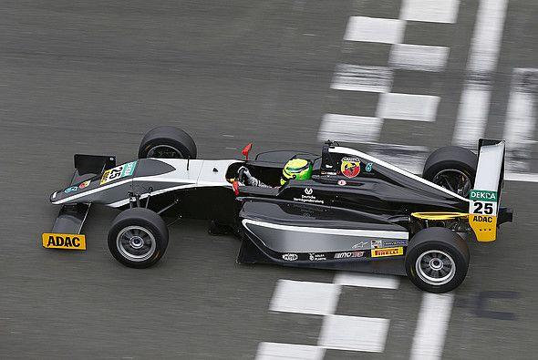 Mick Schumacher setze in seiner Qualifikationsgruppe die zehntbeste Zeit - Foto: ADAC Formel 4