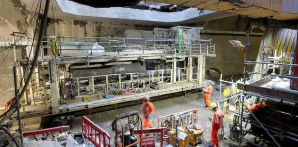 En vídeo como se desguaza una tuneladora a 40 metros bajo tierra