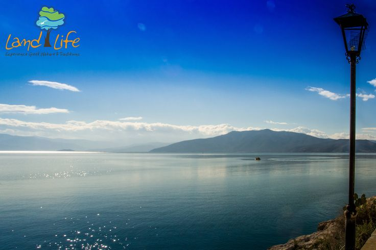 Follow the stoned path of Arvanitia in Nafplio and take a breathtaking view from the Argolic Gulf