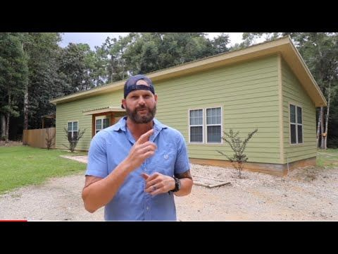 Family Of Four Living In Less Than 1000 Sqft Shed Roof Home Youtube Shed Roof Pole Barn Homes Tiny House Design