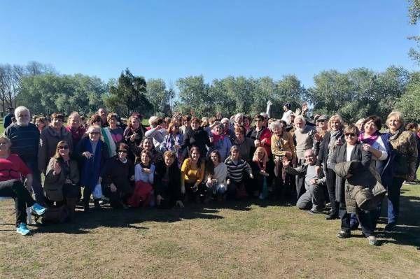 """Más de 100 jubilados disfrutaron de un día de campo con el programa """"Turismo grande"""""""