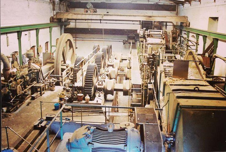 Azucarera del Guadalfeo. La foto es de una visita del Colegio de Ingenieros de Caminos, Canales y Puertos de Granada en 2002: Juan Carlos Gómez (@jcgomvar) en Instagram.
