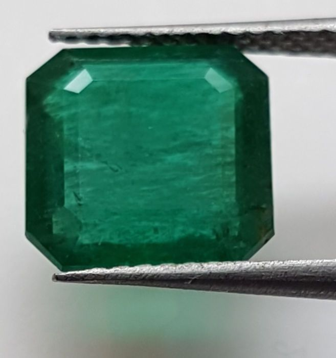 Currently at the #Catawiki auctions: Natural #Emerald -  2.50 ct