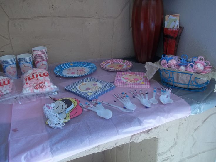 We hosted our first baby-shower for Jennine Pare.  Notice how there's pink & blue accesories; the babies gender was a surprise! (they have since had a beautifull baby boy)