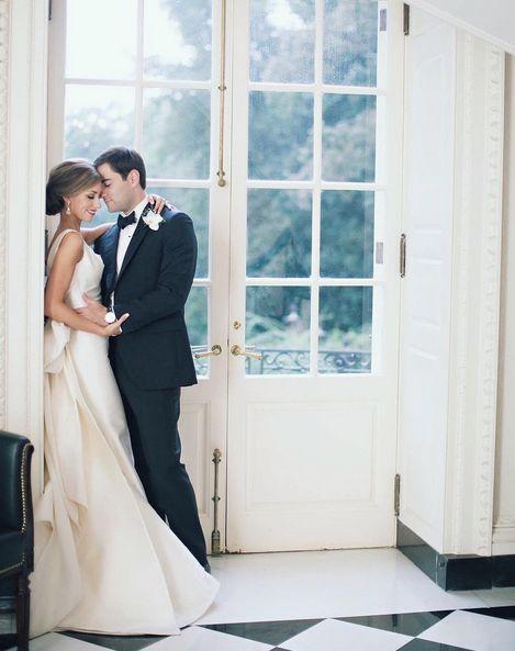 American Wedding in Le Spose Di Gio'. | #americanwedding #lesposedigio #bridaldress #madeinitaly |  Ph: Paperlily Photography Magazine: Southern Weddings | www.lesposedigio.com