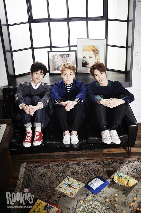 S.M.ROOKIES pose with SM senior EXO's Xiumin | http://www.allkpop.com/article/2016/03/smrookies-pose-with-sm-senior-exos-xiumin