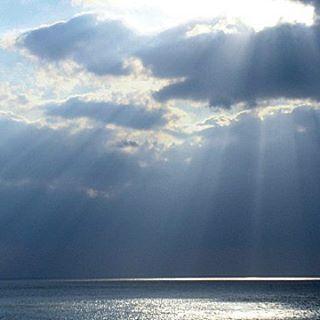 【miyako1963】さんのInstagramをピンしています。 《過去pick💙 宮古島photoより🌊 * 帰省中のphotoから💙 (2017.2/10) * #過去pick #カコソラ#宮古島#沖縄ふぉと祭り #miyakojima #okinawa #Japan#ig_japan#cloud#photo#photolike #photolevers #sky#skylevers #skyphotos #空#雲##空のカーテン#天使の梯子 #写真#写真撮ってる人と繋がりたい#空好きな人と繋がりたい#ダレカニミセタイソラ#そらふぉと#空が好き#海#sea#olympus》