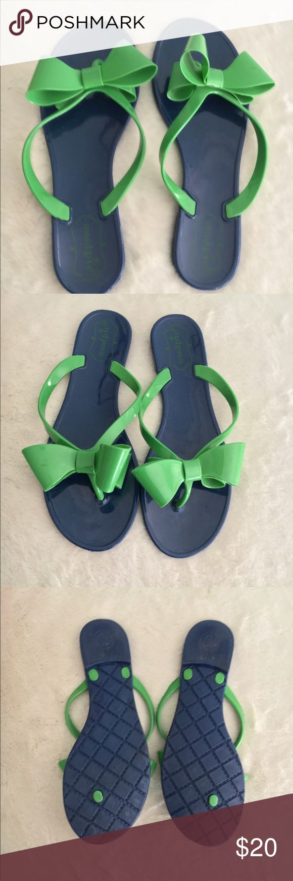 Lily Pulitzer Sandals Rubbery sandals perfect for summer! From the In the Pink store but not the Lily Pulitzer brand Lilly Pulitzer Shoes Sandals