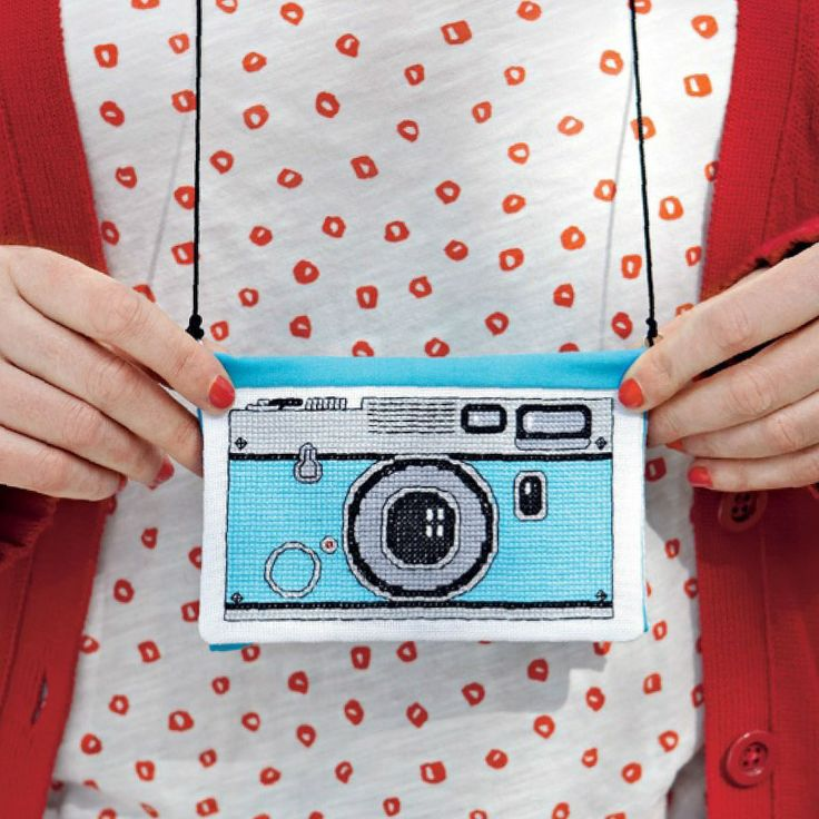 Keep your camera safe and easily to hand in this picture-perfect case for a look that's oozing retro charm. Say cheese!