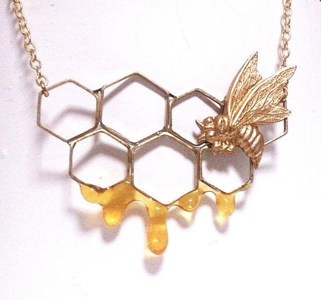 ハンドメイドマーケット minne(ミンネ)  ハチノスネックレス #necklace