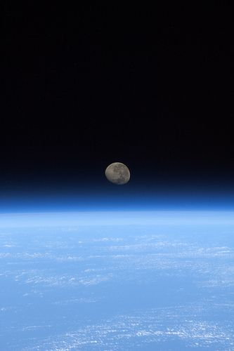 Moon-set seen from the ISS