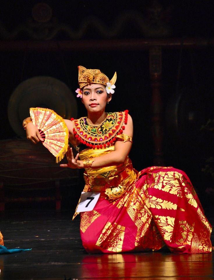 Bali Dancer by alisyahididroes