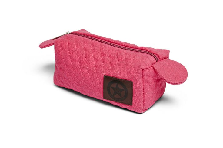 And our Version in canvas - make-up and toilet bags in quilted canvas with florence Deisgn leather patch, in navy, beige and pink!