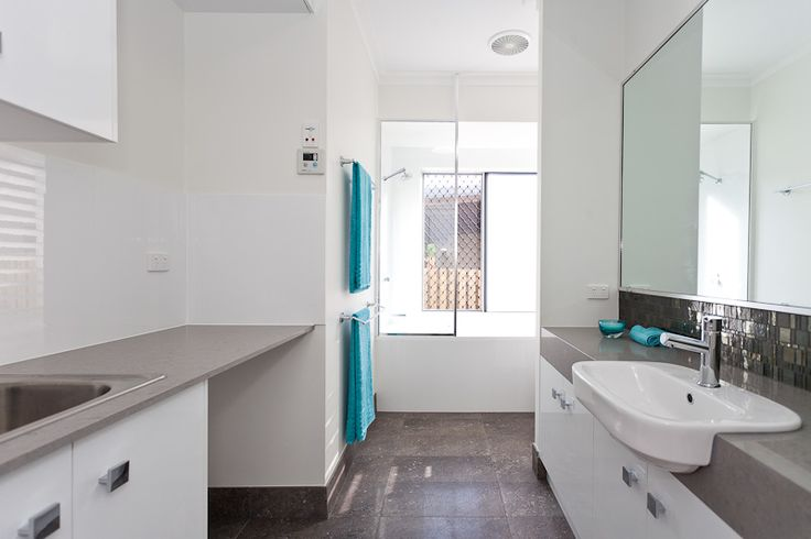 Field Homes Bathroom