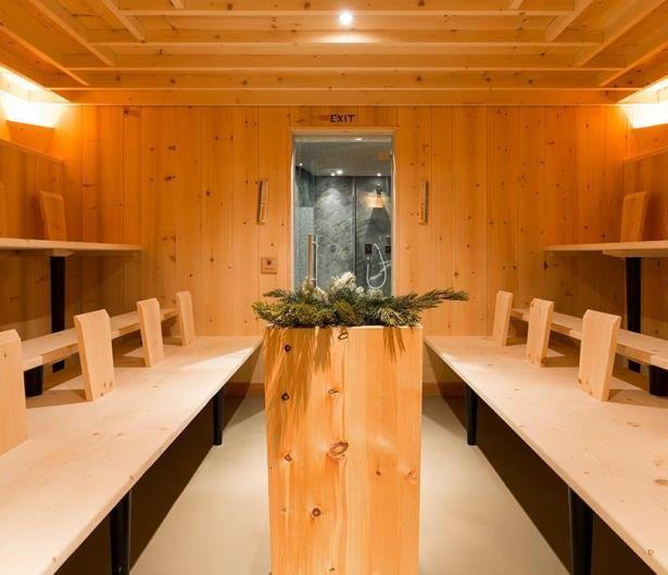 Campeggio e hotel con case sull'albero in Alto Adige