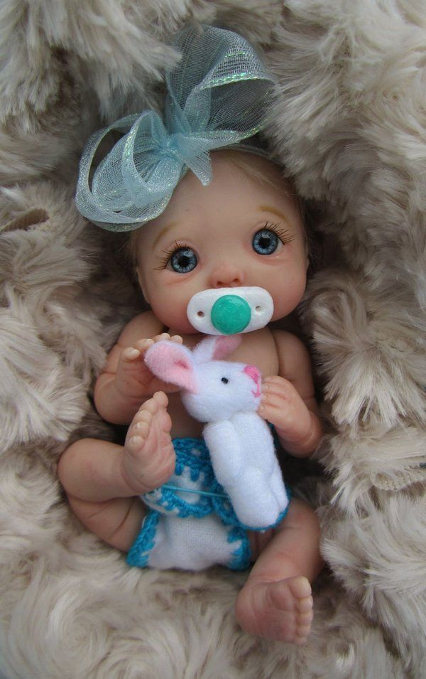 """Jasmine"" Mini Full Sculpt Movable Polymer Clay Baby Art Doll OOAK by Ursula 