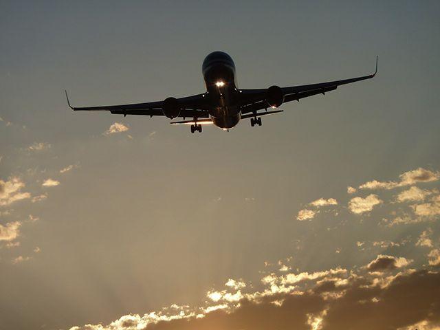 ¿Realmente nos gusta viajar en avión? Te damos una serie de razones que te harán plantearte si este medio de transporte está entre tus favoritos.