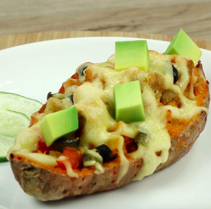 Pieczone słodkie ziemniaki nadziewane pysznym farszem  Czytaj dalej na: http://www.popularne.pl/nadziewane-slodkie-ziemniaki/