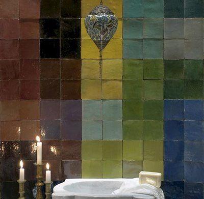 Handgebakken Marokkaanse Zelliges. In vele mooie kleuren. Voor zowel keuken als badkamer! www.molitli.interieurmakers.nl