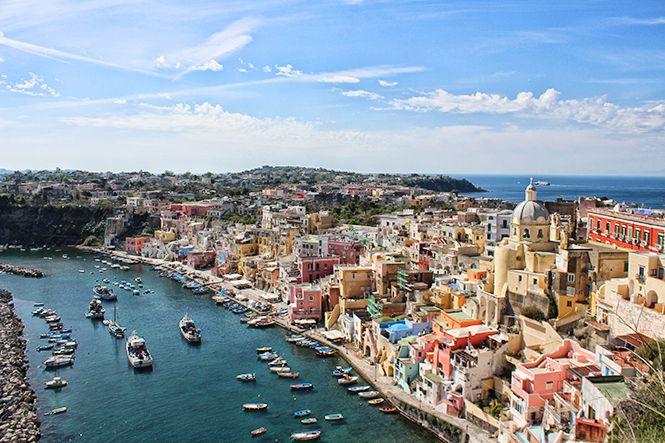 Ce voyage, j'en rêvais depuis des années. Pompéi. Positano. Procida. Ravello. Capri. Amalfi. Napoli… La simple prononciation de ces syllabes me (...)